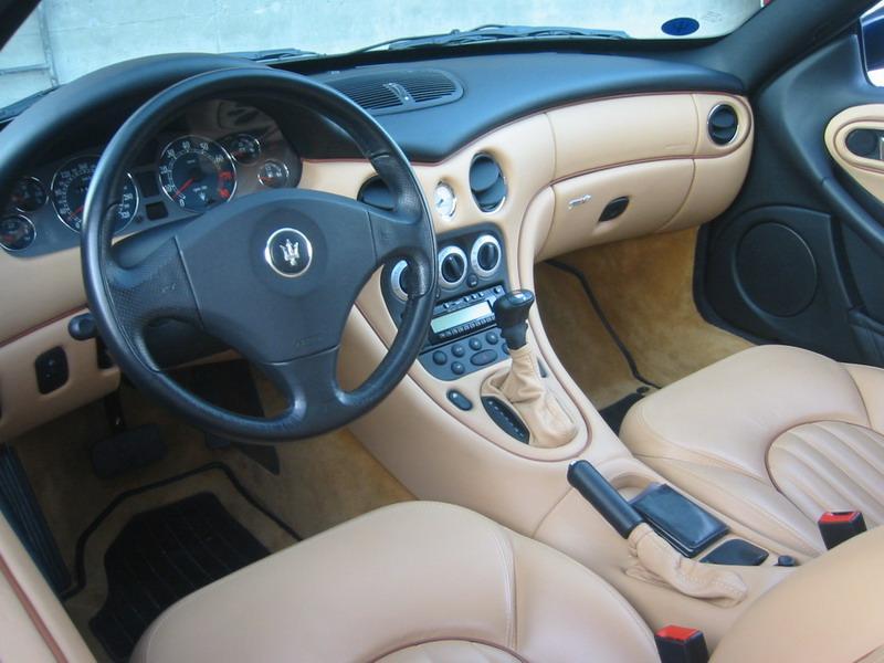 L'italia insegna auto
