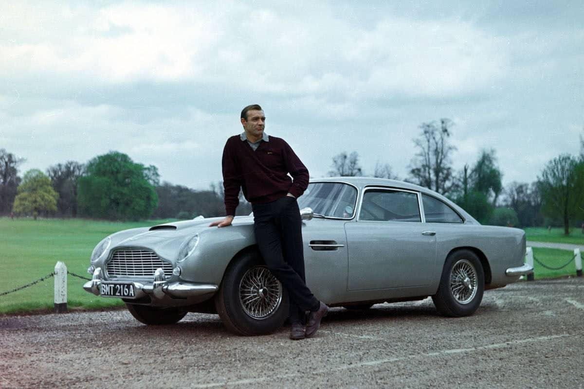 Aston Martin DB5 di James Bond
